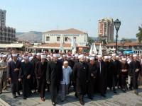 """U mbajt """"Marshimi në Haxhet"""" dhe duaja për shehitët 200-150_1347007555"""