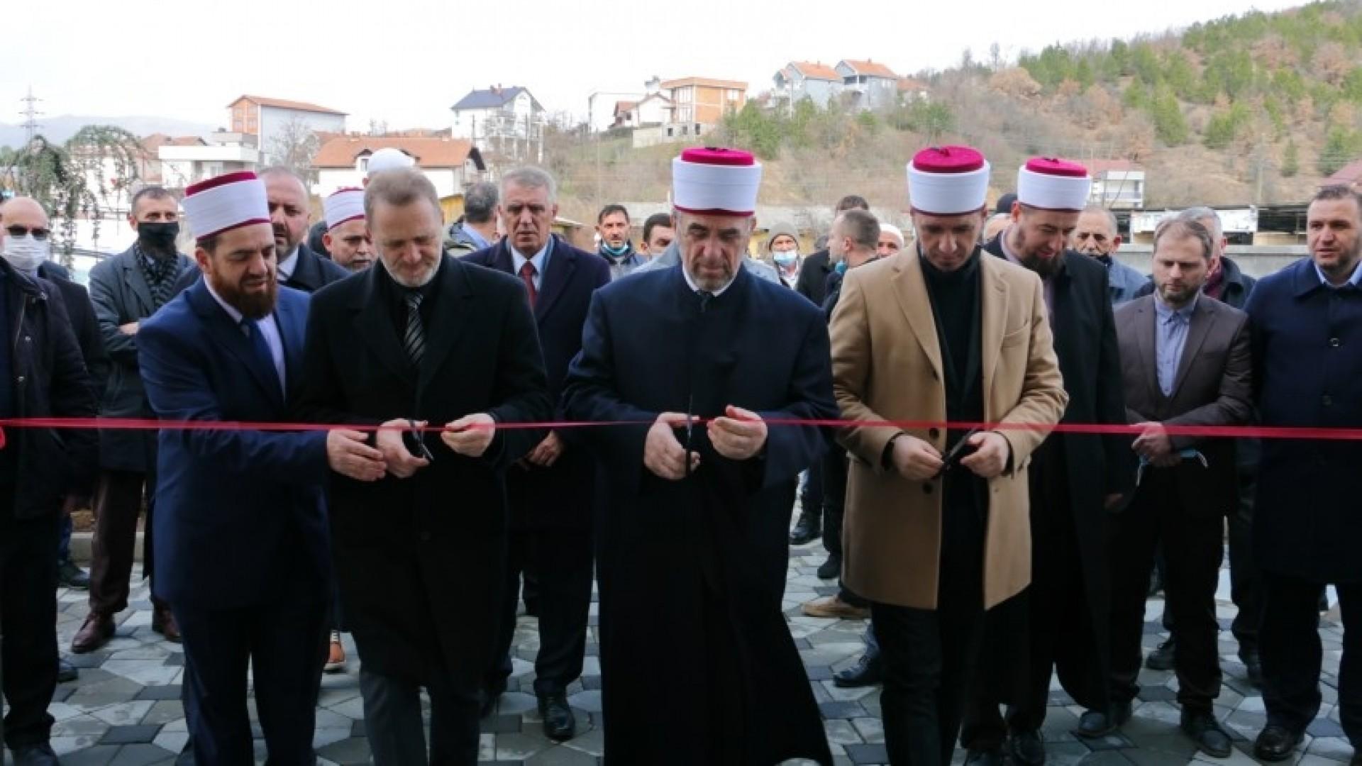 """Përurohet xhamia e re """"Imer Mehmeti"""" në Shupkovc të Mitrovicës"""